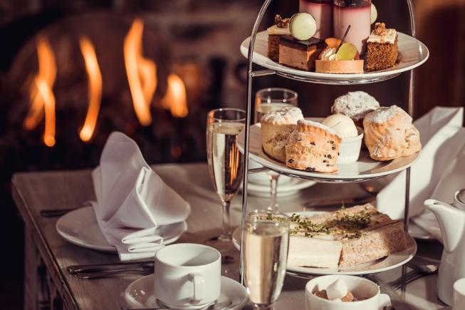 2 Afternoon Teas with Fizz!